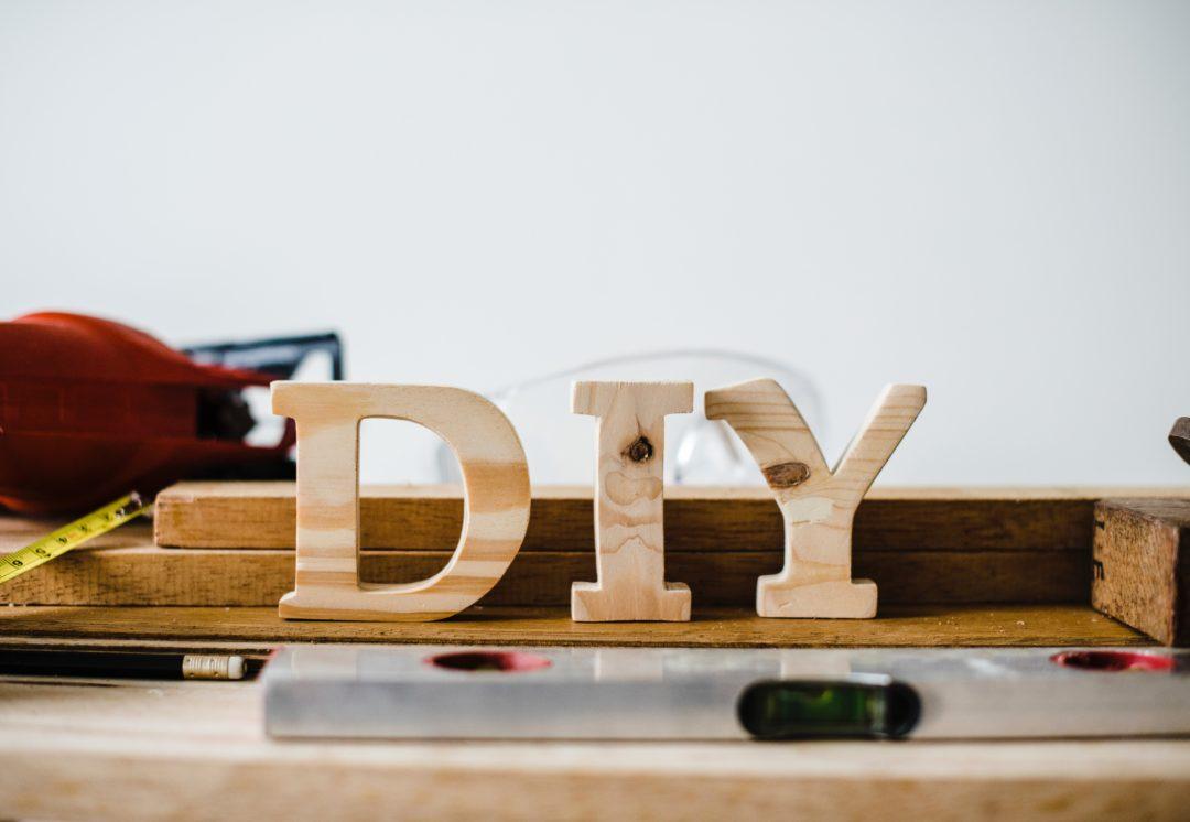 DIY Schriftzug aus Holz