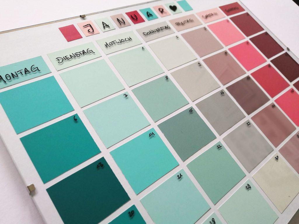 Farbkartenkalender_Gesamtansicht_Farbverlauf